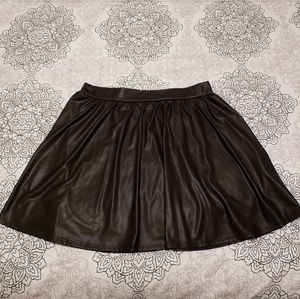 VGUC fuax leather skirt. Size XL